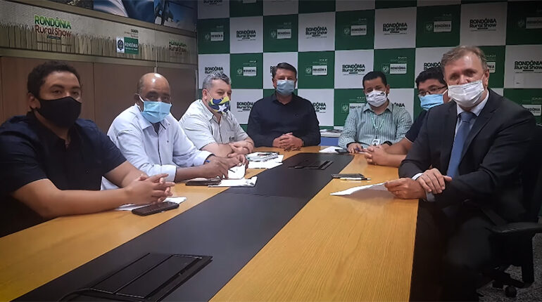 RECURSO DISPONIBILIZADO PELO DEPUTADO LUIZINHO GOEBEL CONTEMPLARÁ O SETOR PRODUTIVO DE SERINGUEIRAS