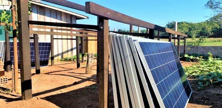 ENERGIA SUSTENTÁVEL: Base de Laranjeiras do Parque Estadual de Corumbiara recebe placas de energia solar por meio de compensação ambiental