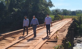 Ismael Crispin e vereador Elias Ribeiro pedem ao DER recuperação da ponte sobre rio Araras