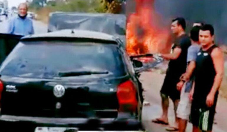 Colisão entre carros deixa uma mulher morta e outras três pessoas feridas na BR-364