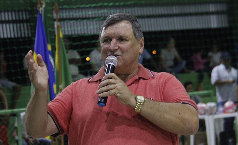 Após eleger sucessora e deixar Pimenteiras organizado Vino Dondé é cortejado por partidos para disputar uma vaga na ALE
