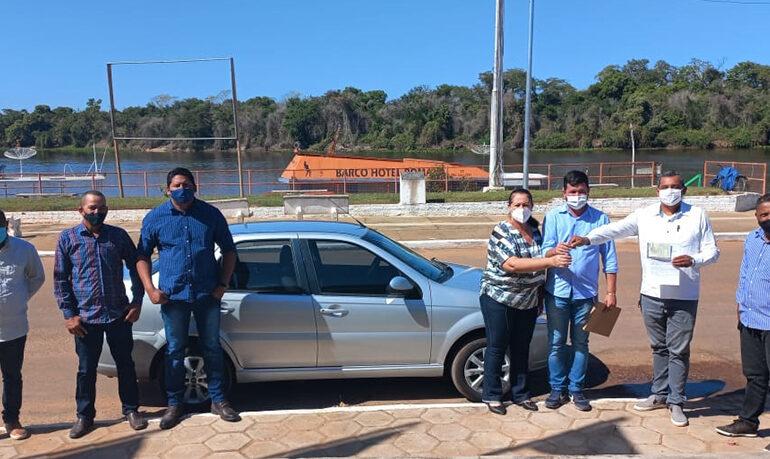Câmara Municipal de Pimenteiras realiza doação de veículo para prefeitura