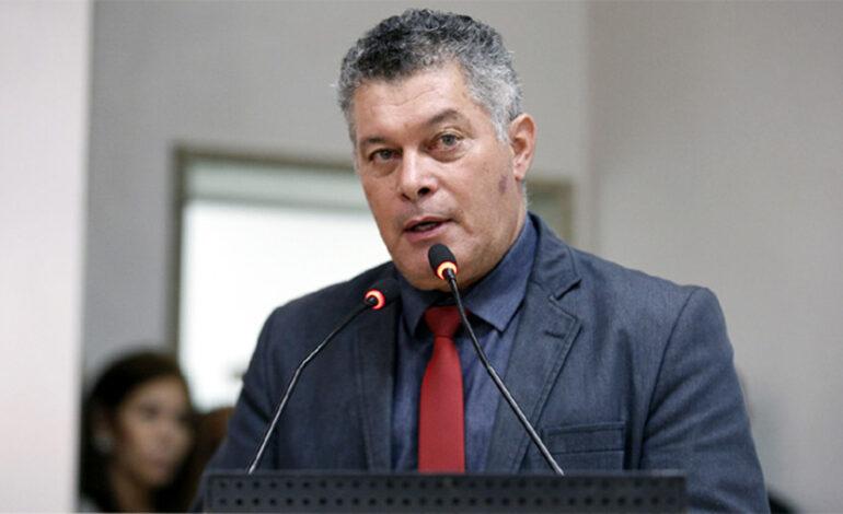 Juíza determina afastamento de Edson Martins da ALE e exige que Legislativo se explique à justiça se descumprir decisão