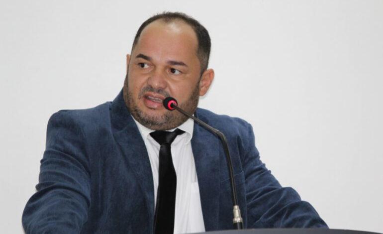 Ministério Público de Contas multa Ronildo Macedo por não empossar servidores aprovados em concurso público da Câmara de Vilhena