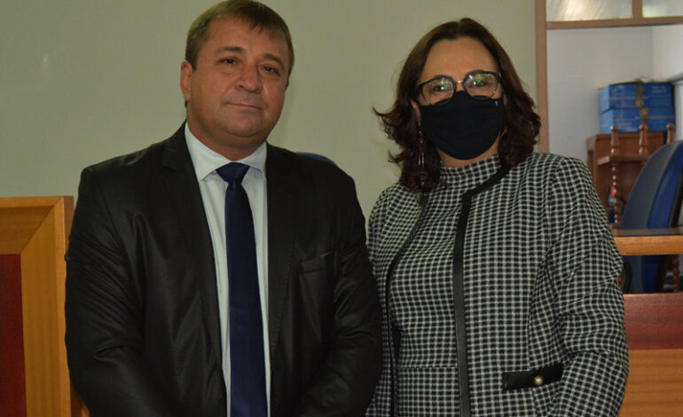 Prefeita de Cerejeiras Lisete Marth pede licença para tratamento de saúde