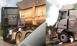 Acidente entre duas carretas e um caminhão é registrado na BR-364 próximo ao posto do Gaúcho