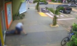 Homem descobre traição e mata com 20 facadas suposto amante da esposa