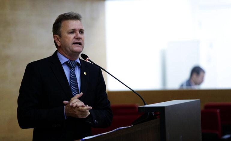 Luizinho Goebel solicita que Governo faça vistoria em Ginásio de Esportes de Cerejeiras