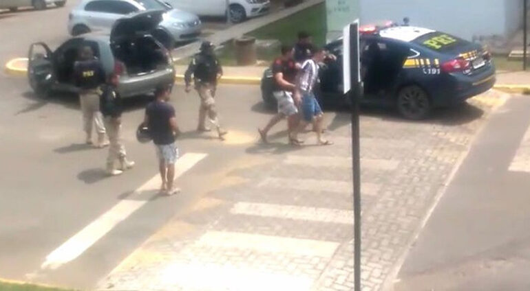 Após perseguição em condomínio, policiais encontram droga escondida em carro em RO